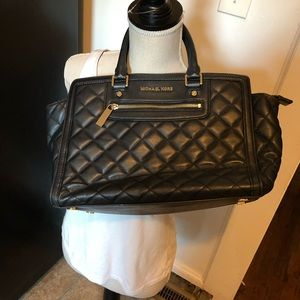 Michael Kors AB-1406 Black Quilted Tote Purse